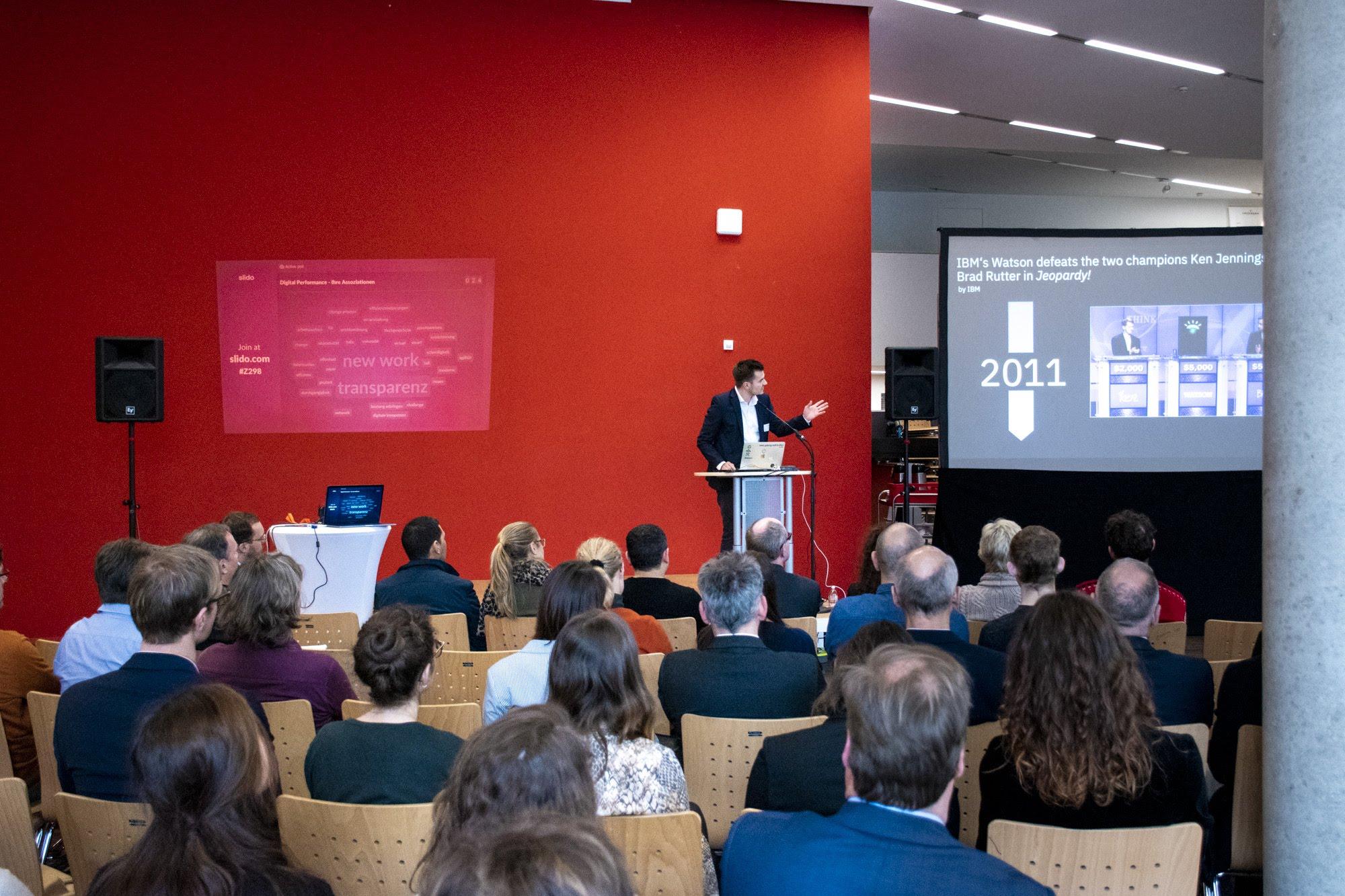 Vom LeadershipGarage-Kooperationspartner IBM Watson war Jelko Münsterkötter zu Gast und sprach über die Erfolgsperspektiven von KI.